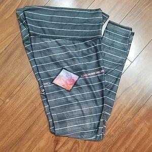 Like new Teeki leggings